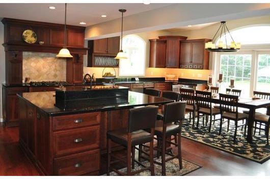 Tủ bếp gỗ sồi Mỹ có tủ kho đẹp, cao cấp