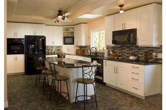 Tủ bếp gỗ sồi mỹ màu trắng đẹp, thanh lịch