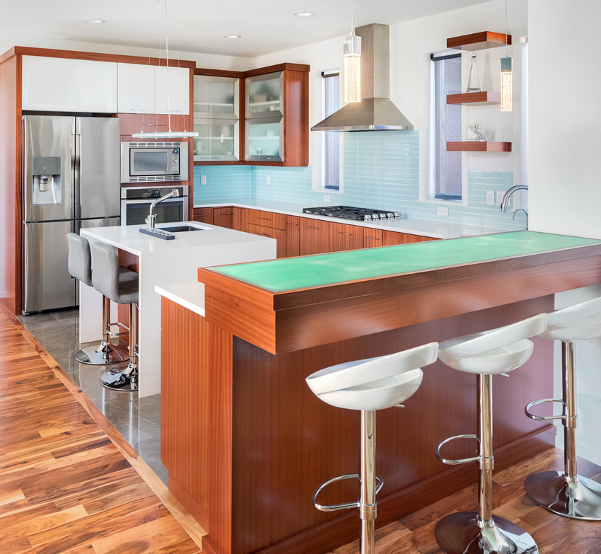 Tủ bếp gỗ chữ U phủ Laminate