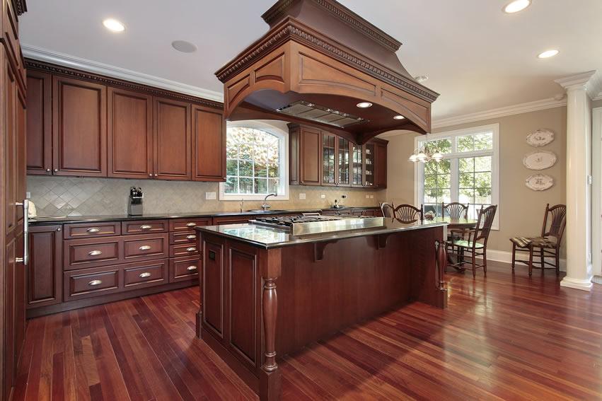 Tủ bếp gỗ chữ L cho không gian bếp Việt