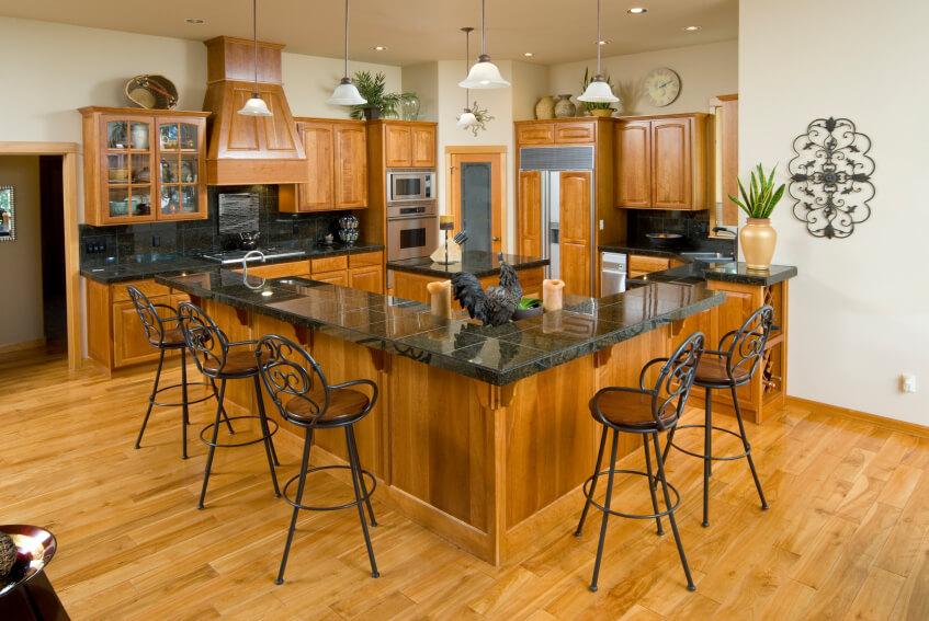 Tủ bếp gỗ tự nhiên chữ U đẹp, hiện đại